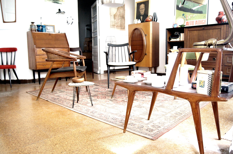 Muebles vintage en a coru a for Electrodomesticos vintage baratos