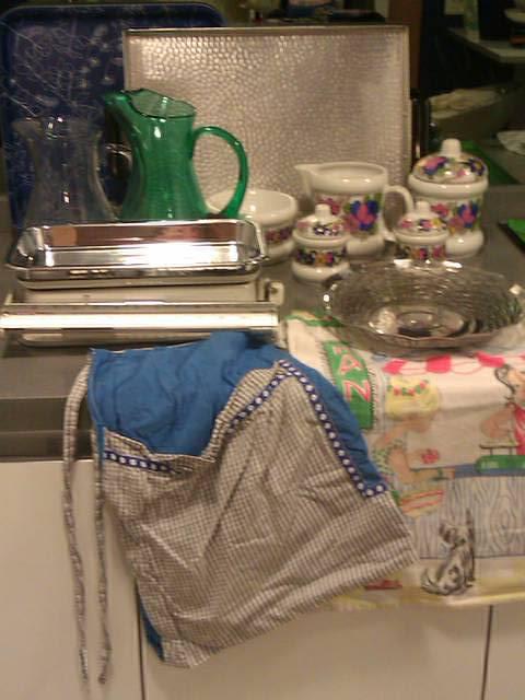 Utensilios de cocina de lo 70 en una cocina del 2012 Lucía Mosteiro