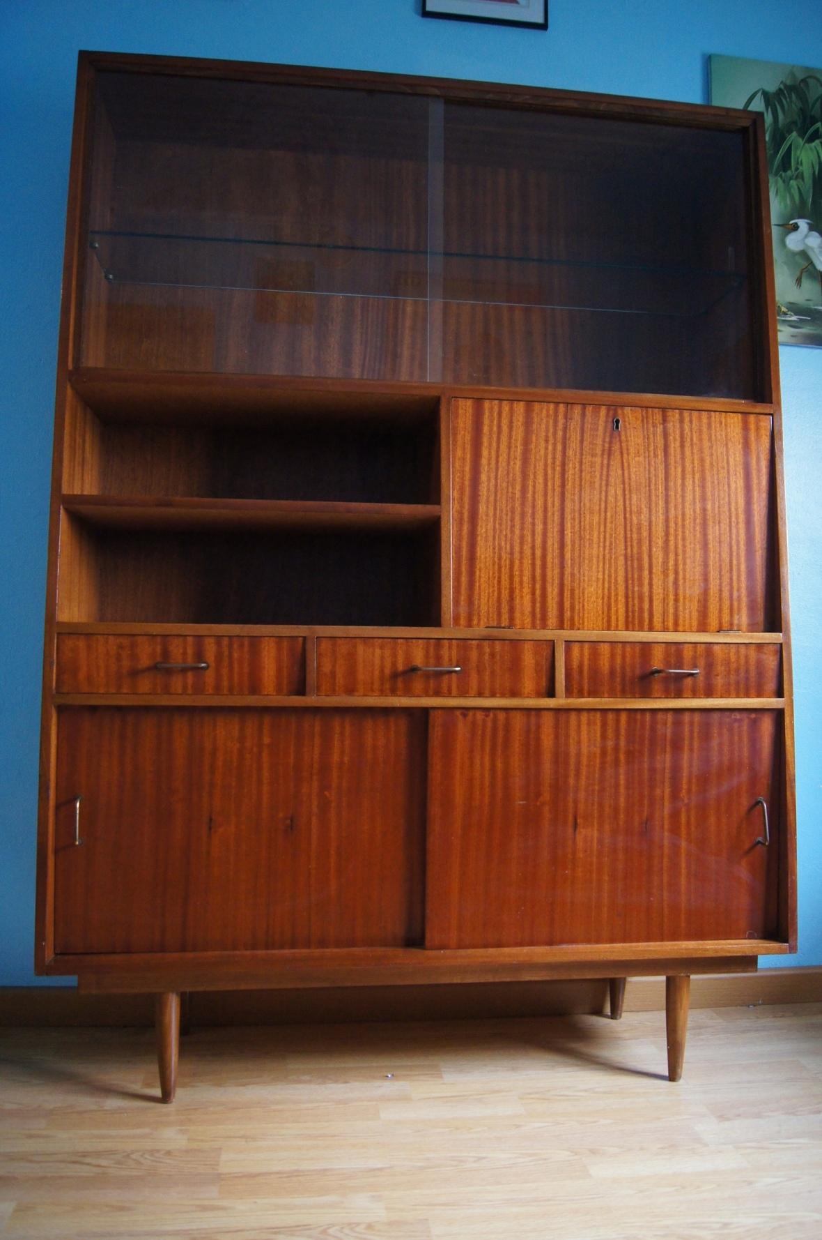 Librer a vintage de los a os 60 formas trapezoidales - Muebles anos 60 ...