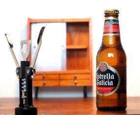 Mobiliario para Estrella Galicia