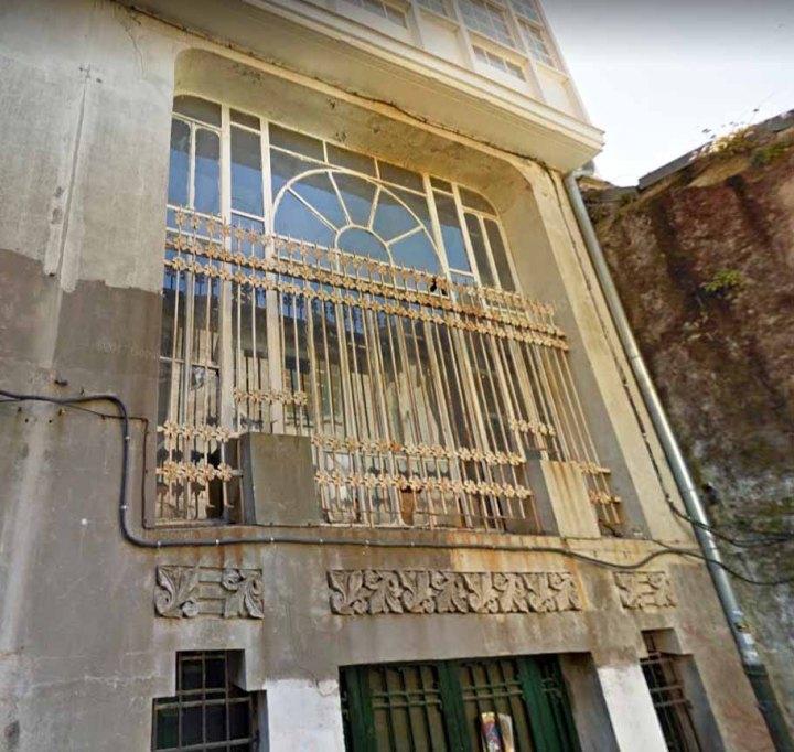 detalle-fachada-modernista-calle-san-paio-de-antealtares